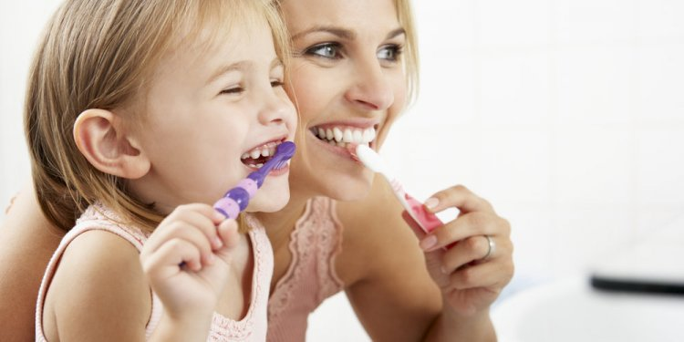 Healthy dental habits child